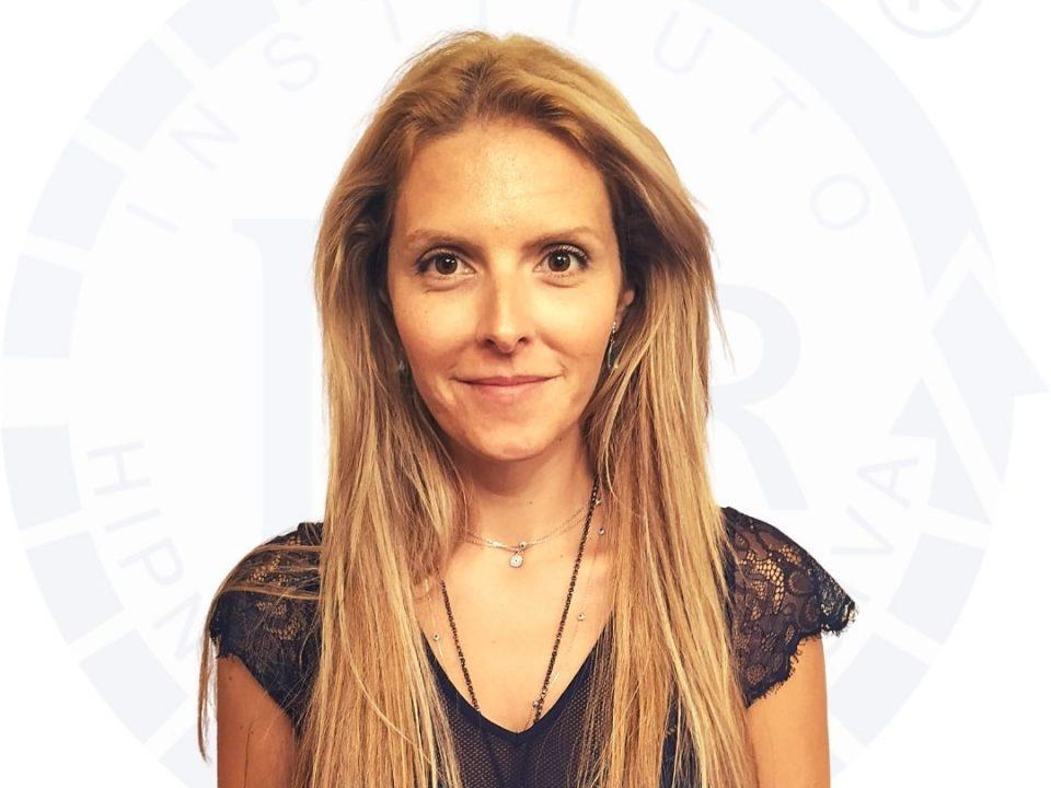 Hipnoterapeuta Jani Silva certificado pelo Instituto de Hipnose Regressiva